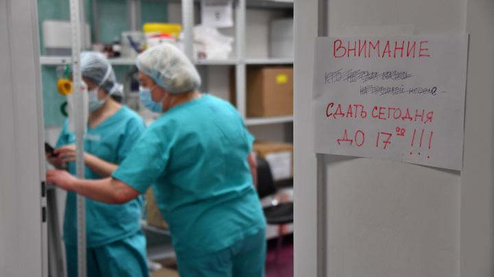 Депутат опубликовал видео из переполненного ковидного госпиталя с пациентами в коридорах