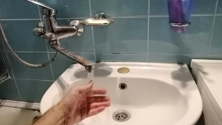 В Кургане в жилых домах и в гимназии выключат на день воду