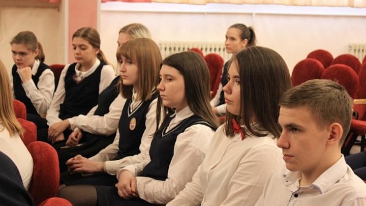 Министр образования НСО раскрыл данные о коронавирусе в вузах, школах и детских садах