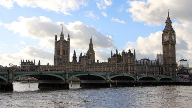 Дышать уже нечем: Субсидии Терезы Мэй не очистили воздух Великобритании