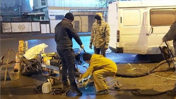 Нам к этому надо привыкнуть?: Жители Северного в Ростове второй раз за сутки остались без воды