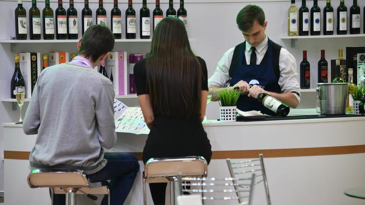 Трезвый Новый год: В России предложили запретить продажу спиртного в праздники