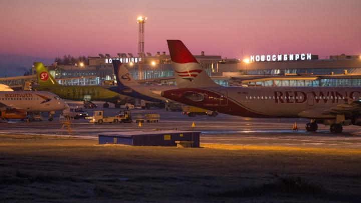 В Росавиации назвали причину отказа двигателя Ан-124 при вылете из Новосибирска