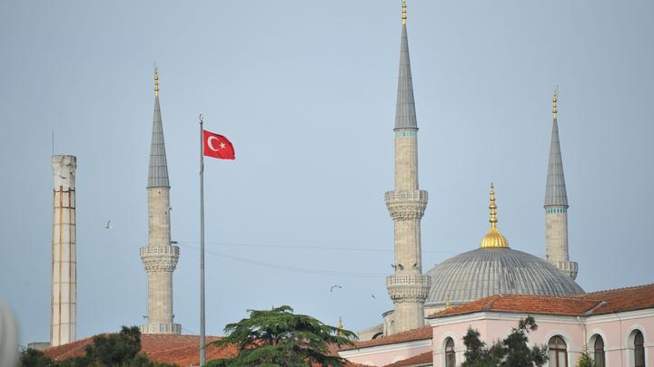 Карабах - это Азербайджан? В нейтральном Стамбуле открыли фотовыставку о Карабахе