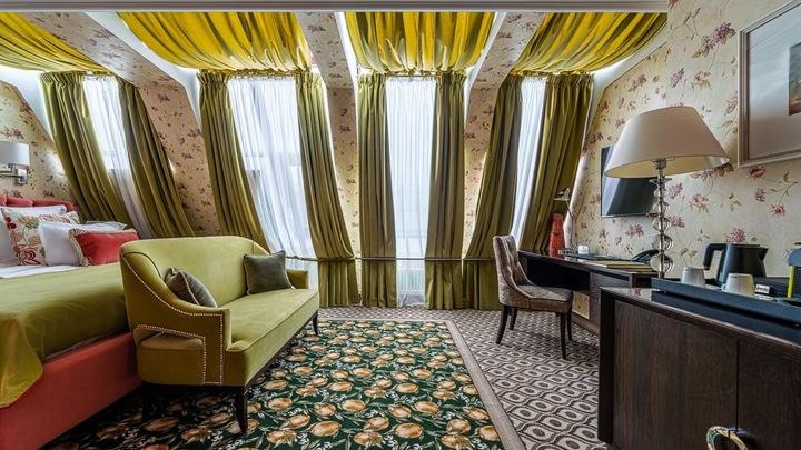 Новый год 2021 в Санкт-Петербурге: сколько стоит провести праздники в фешенебельных отелях
