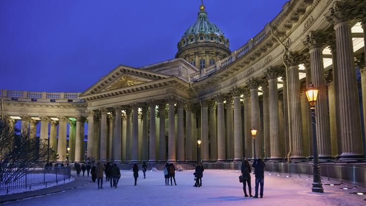 Зачем Петербург без музеев и экскурсий? Из-за новогодних COVID ограничений турпоток снизится на 90%