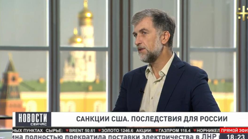 Любомудров: Лидер у России, слава Богу, сильный, а экономическая команда никуда не годится