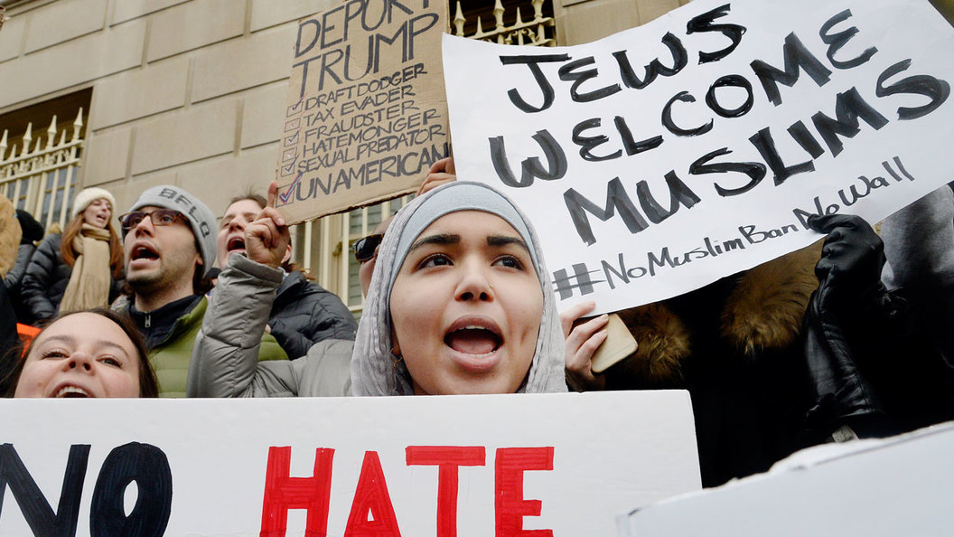 Вселенские страсти по беженцам в США
