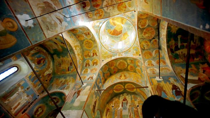 Свет фресок Дионисия - с Божьей помощью