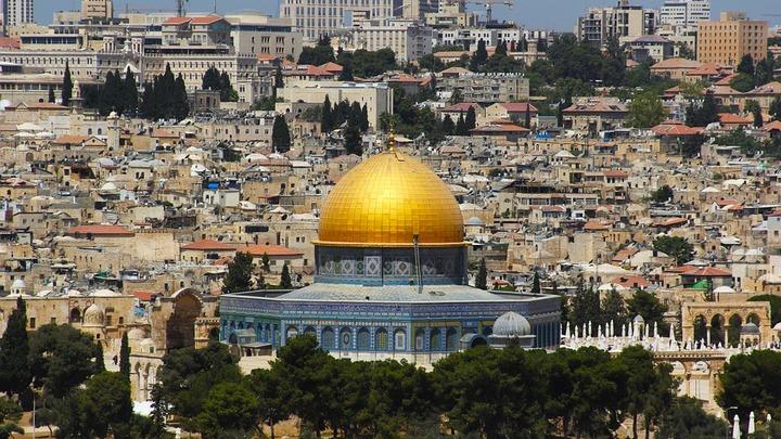 Видео: Палестинец расстрелял посетителей рынка в Израиле