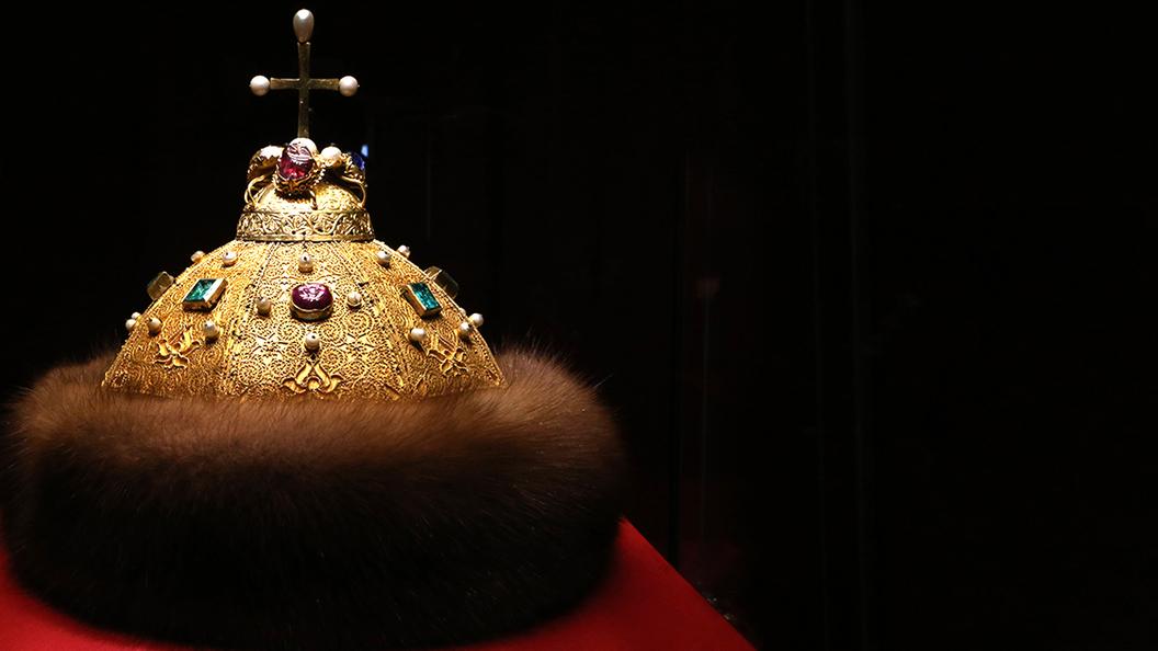 Каждый третий хочет возвращения монархии