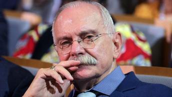 Никита Михалков напомнил властям о необходимости адекватного ответа деятельности оппозиции