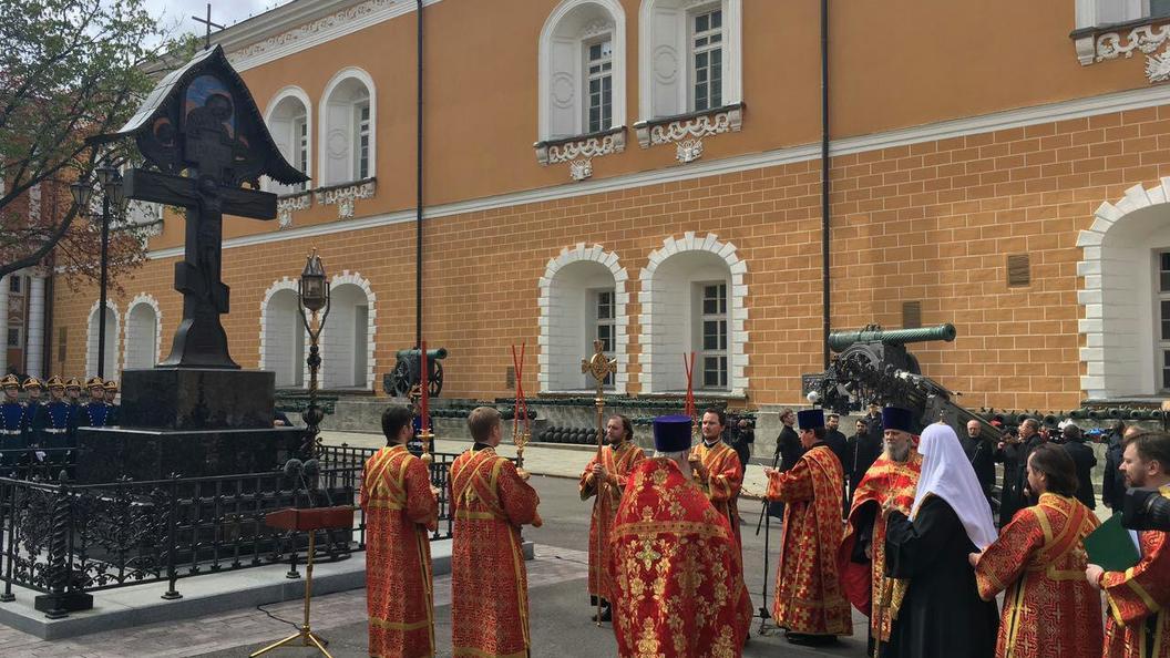 Единство народа нужно сохранить: Путин открыл в Кремле крест в память о князе Сергее Александровиче