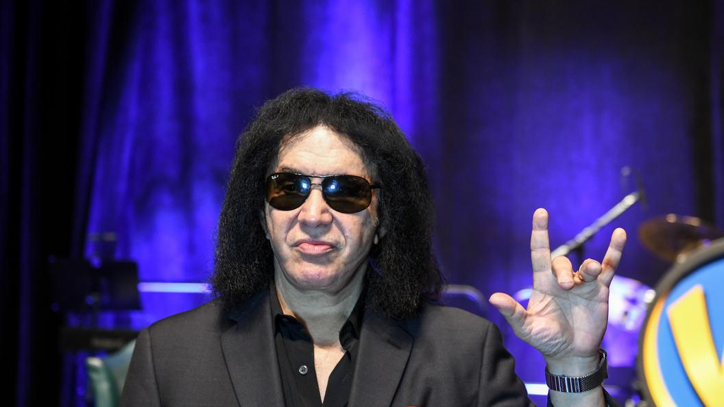 Знаменитый рокер из Kiss хочет запатентовать «козу»