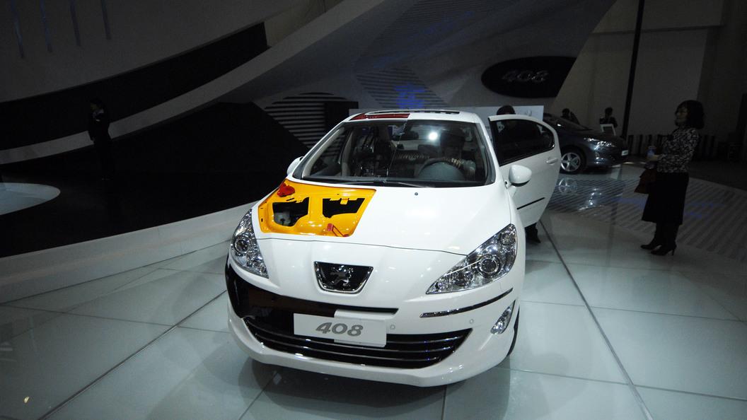 Названа российская цена на обновленный Peugeot 408