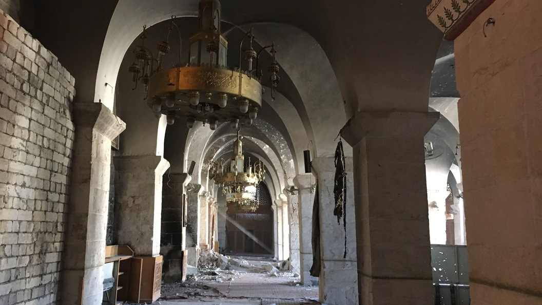 Граждане Алеппо начало восстановления исторического квартала подчеркнули карнавалом