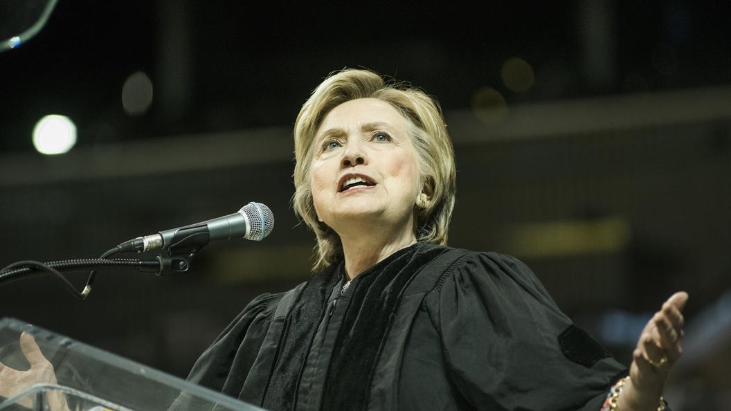 Клинтон решили отнять доступа ксекретной информации