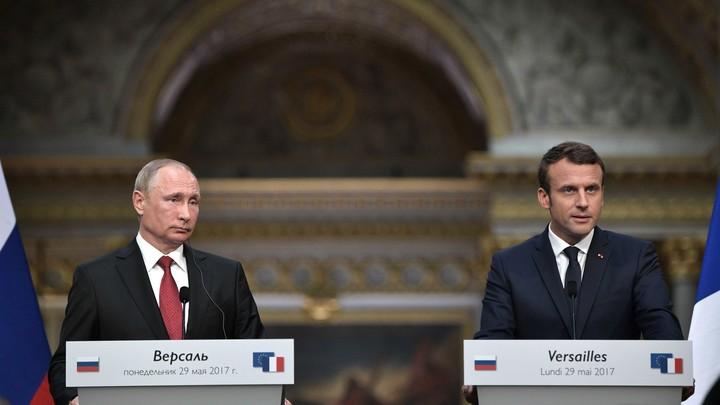 Макрон заявил об отмене установки на смещение Асада в Сирии