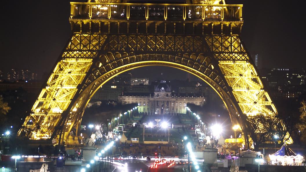 Посольство России требует найти парижских грабителей