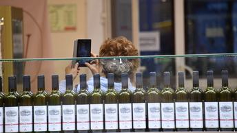 В России разрешили покупать алкоголь по паспорту болельщика до конца 2018 года