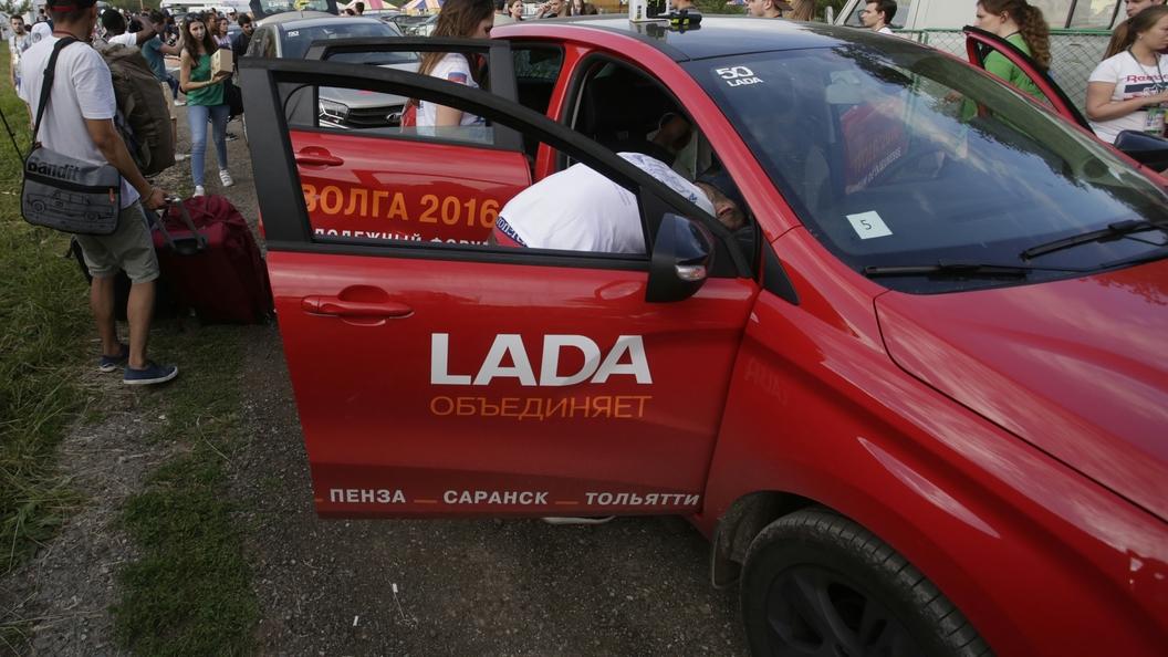 АвтоВАЗ показал рациональный дизайн Lada Vesta SW Cross