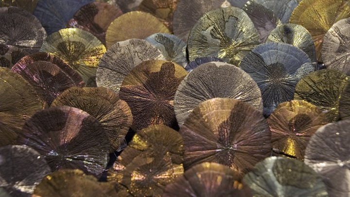Оникс и хрусталь: Рабочие на ВДНХ нашли уникальную коллекцию минералов