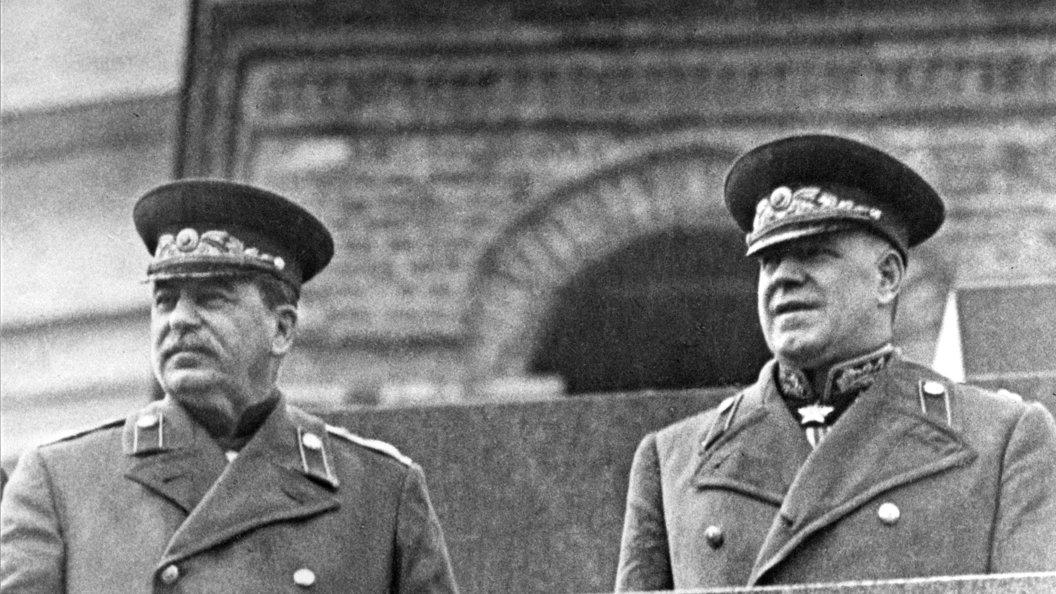 Мемориальная доска Сталину в МГЮА: Бойкот дополнил протесты