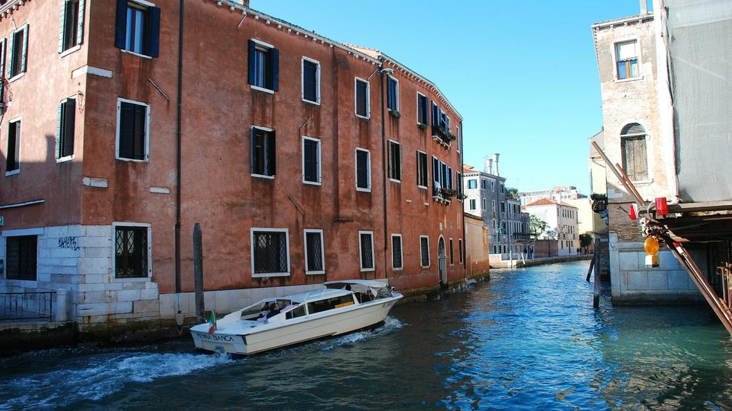Италия закроет порты для кораблей, спасающих мигрантов