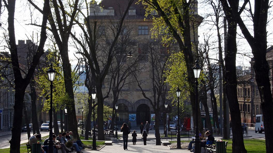 ВоЛьвове с монумента наХолме Славы похитили бронзовый венок