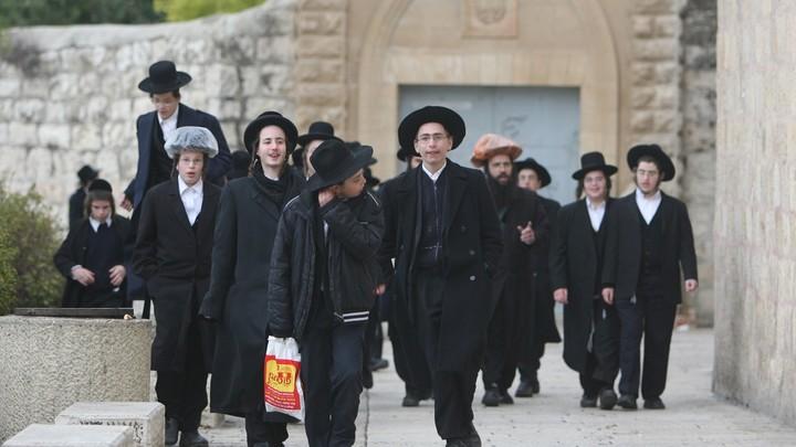 Израильский депутат призвал отменить название киевского проспекта в честь Шухевича