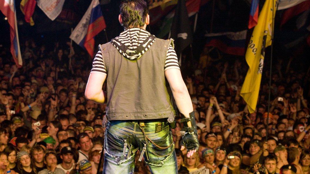 На фестивале Нашествие выступят 100 рок-групп и Русские витязи