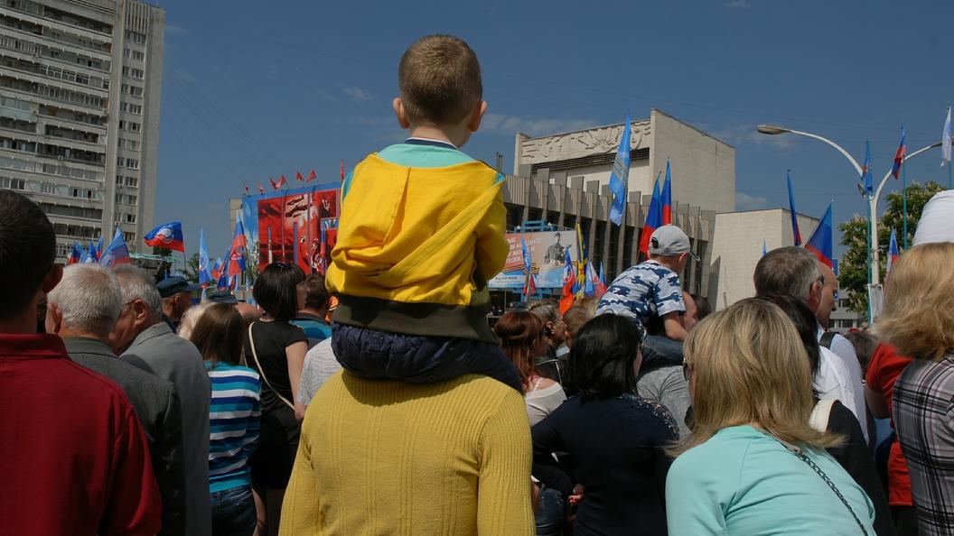 Власти ЛНР призвали жителей Луганска не покидать дома