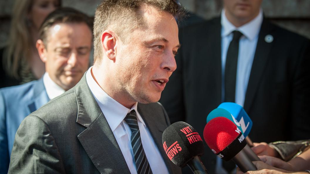 Компания Илона Маска займется созданием аккумулятора Tesla Powerpack