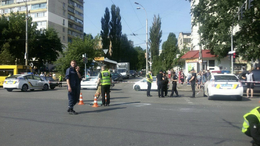 В жилом доме в Киеве прогремел взрыв, есть жертвы