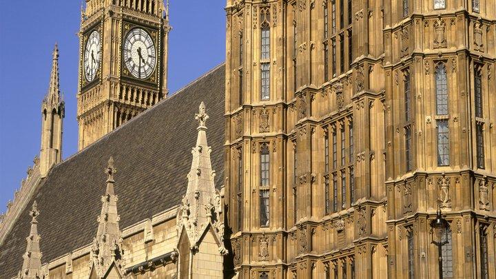 Срочная эвакуация проходит в британском парламенте