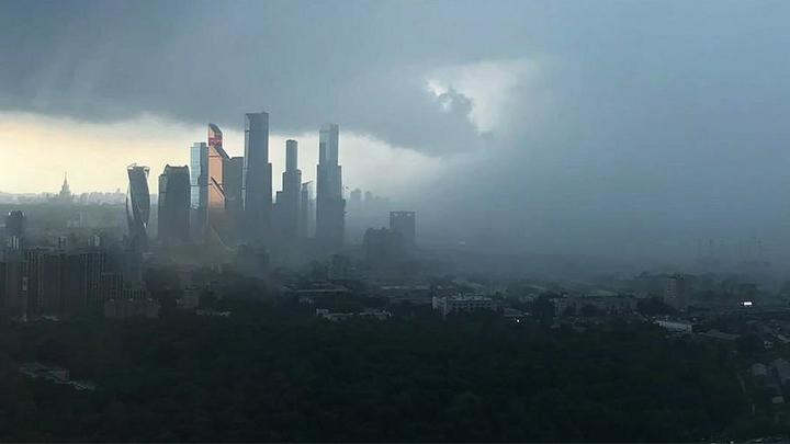На центральную часть России снова обрушится ураган