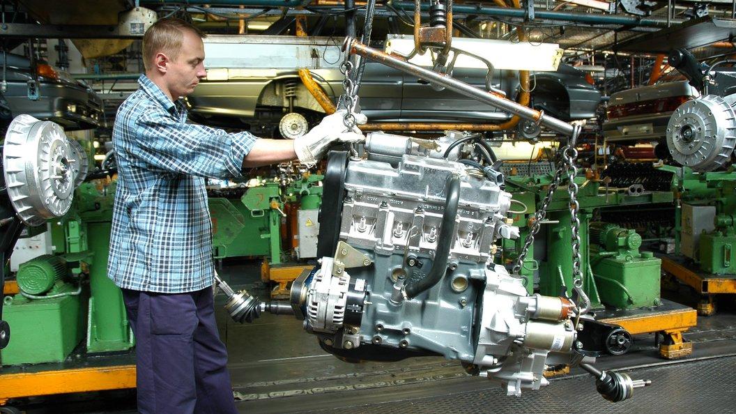 АвтоВАЗ уволит тысячи работников в ближайшие два года