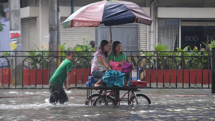 В Японии из-за ливней эвакуируют свыше 20 тыс. человек