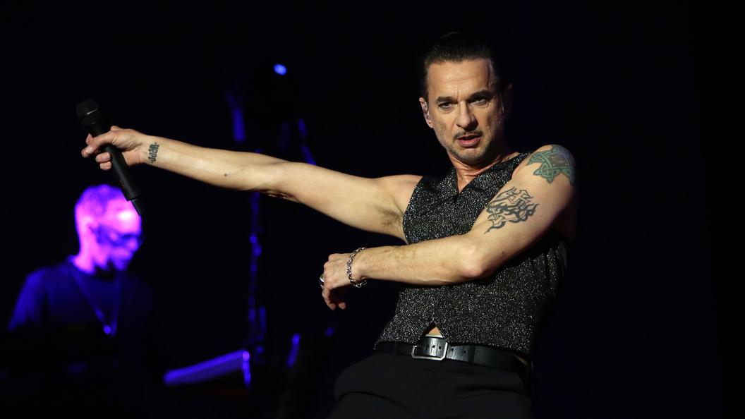 Врачи скрыли диагноз выписанного из больницы солиста Depeche Mode