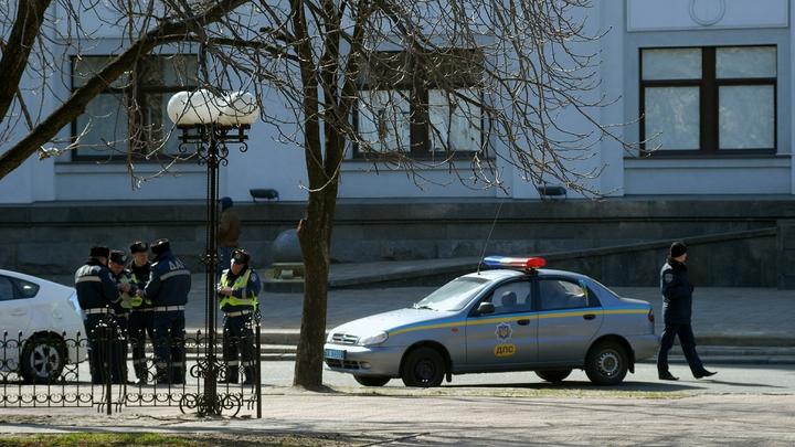 Неизвестные взяли заложников при захвате здания суда в Одесской области