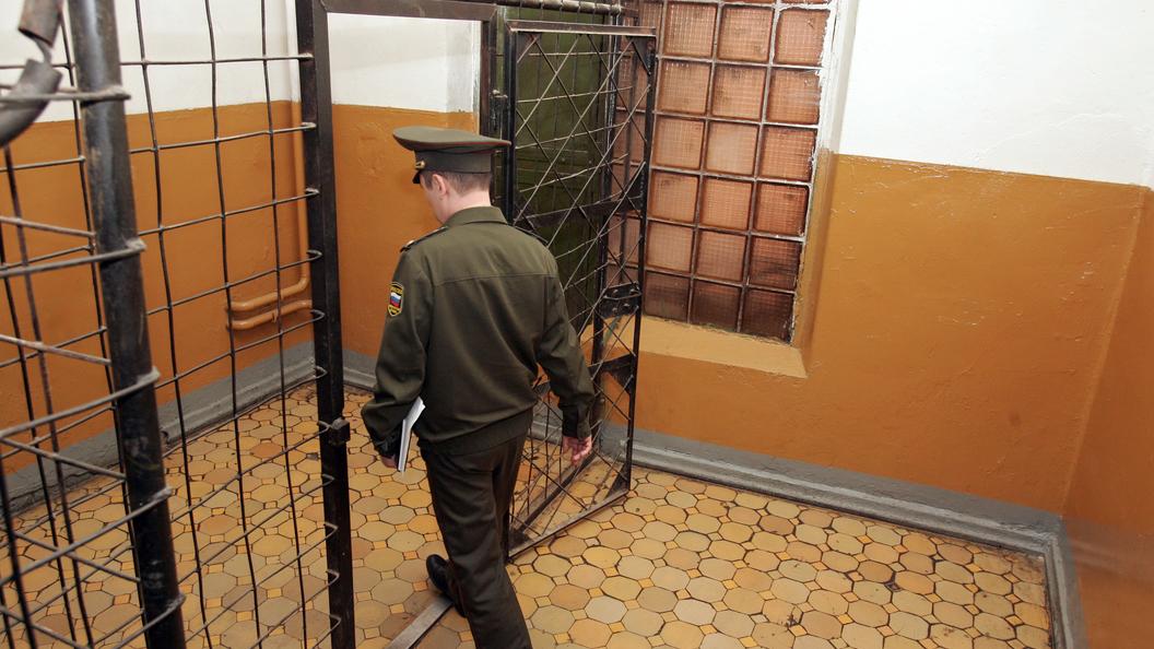 Замглавы судебных приставов по Ленобласти арестовали в Петербурге за взятку