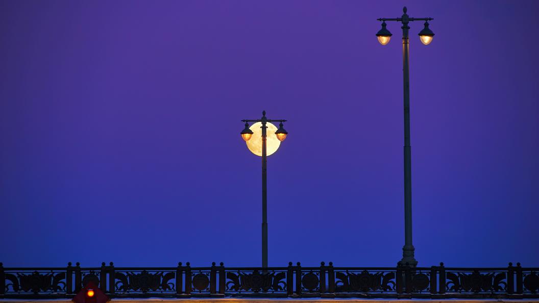 Больше всего фонарей в этом году поставят на юге и западе Москвы