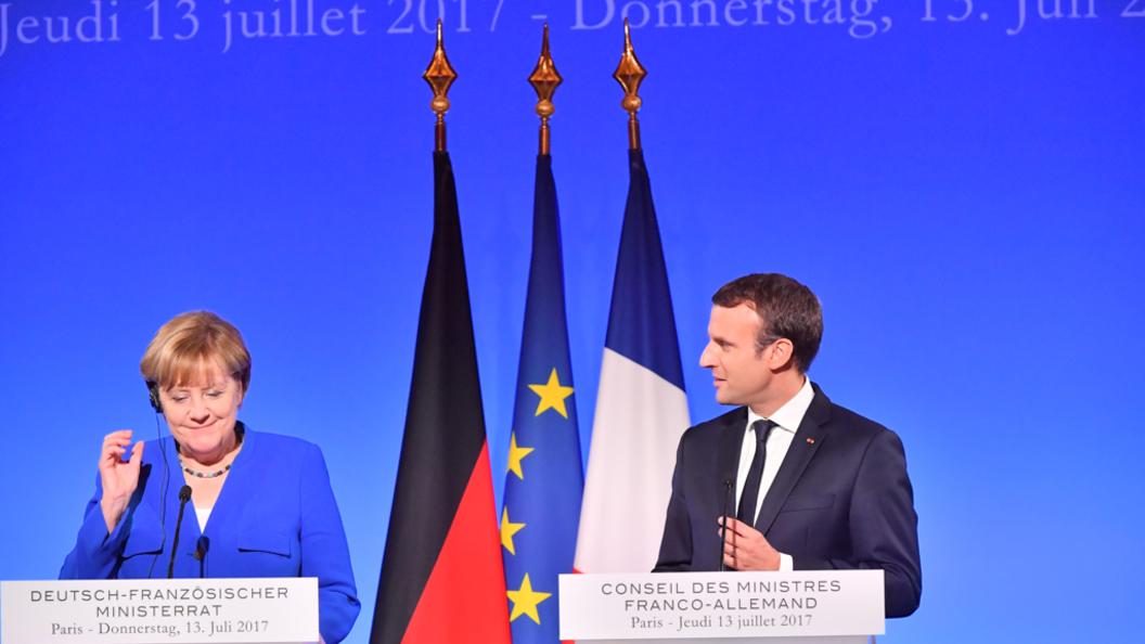 Меркель и Макрон призвали восстановить обмен пленными в Донбассе