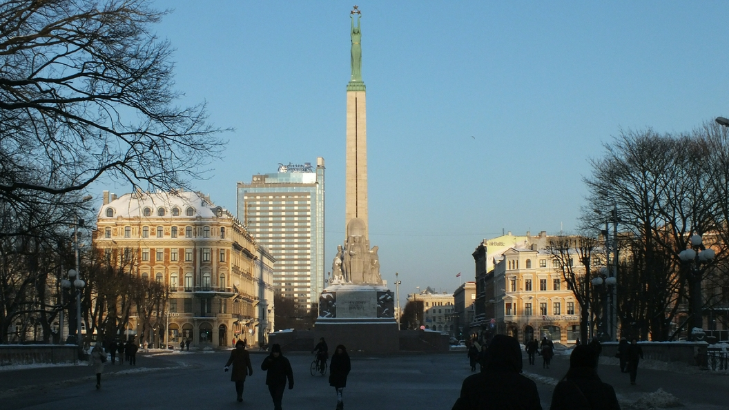 Милиция Латвии задержала жителя России за запуск беспилотника над Минобороны