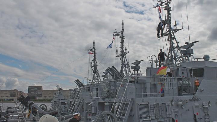 Атомный крейсер Петр Великий будет участвовать в военно-морском параде