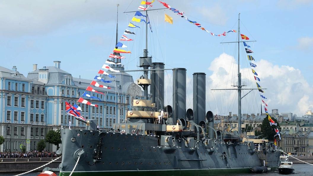 Спецпроект Минобороны расскажет все о кораблях и самолетах, участвующих в параде ко Дню ВМФ
