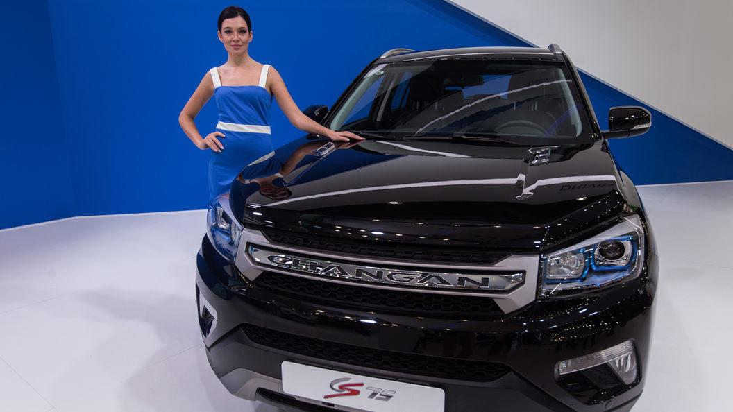 В России начнут продавать китайские кроссоверы, напоминающие Range Rover