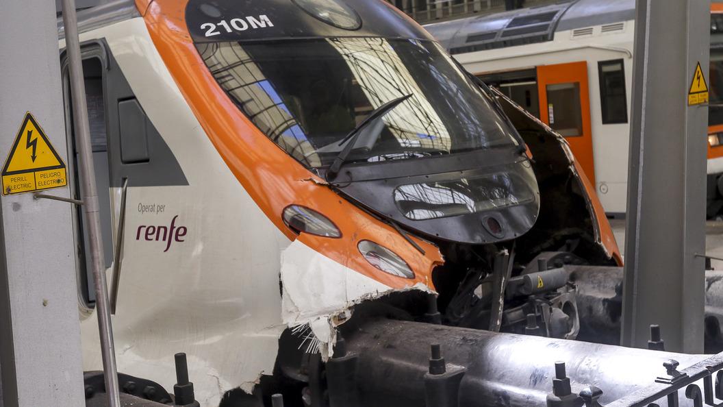 В аварии с поездом в Барселоне российские туристы не пострадали