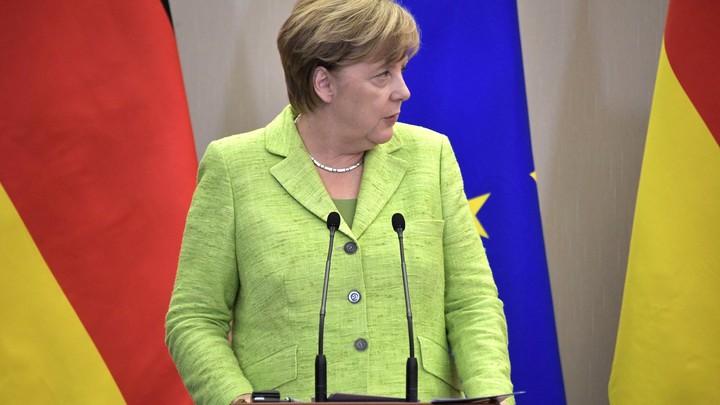 Несчастная Меркель вызвала сочувствие у журналистов