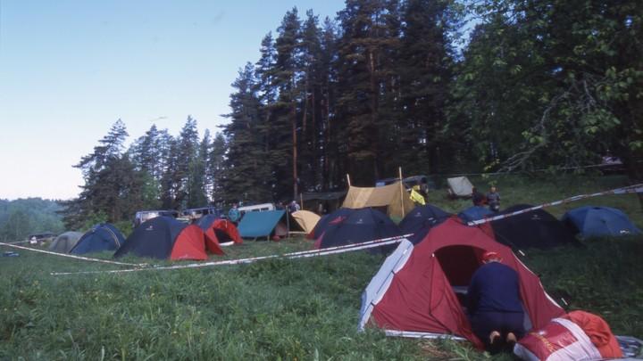 В Германии ураган едва не снес детский палаточный лагерь, есть жертвы